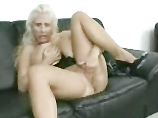 Blonde Bus Busty Fingering Horny Juicy Kitty Mammy
